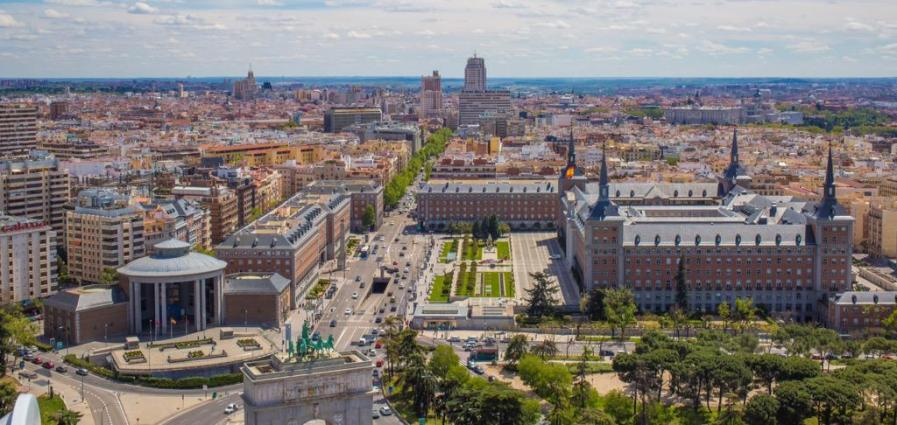 Faro-de-Moncloa-Madrid-